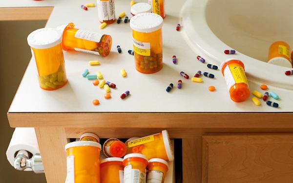 viêm đường tiết niệu nên uống thuốc gì